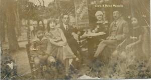 3 A Istanbul a g. Vitaly leur fils, .. , .., Clara, Moïse & Dolsa Menache