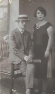 4 Smyrne 1925 Elie & sa soeur Rebecca Alazraki