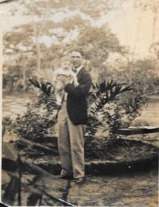 Elie Alazraki et son fils au Congo