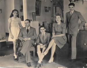 7 Elie & Marie Alazraki, Lorette leur fille et ses 2 fils à Bruxelles.
