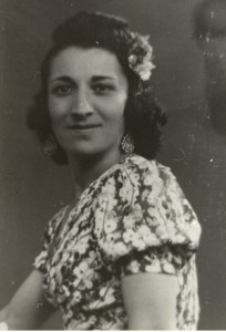 8  Alex Estrella soeur de maman  déportée en mai 1943
