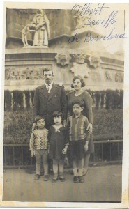 Albert Sevilla à Barcelone avec femme et enfants