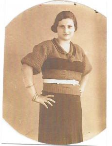 Oro Levy en Turquie dans les années 1930. Mère de Betty