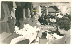 Jacques Romi, marché à Montreuil les Puces années 1950