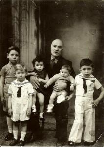 2 grand père Barbouth et ses petits enfants 1936barbouth