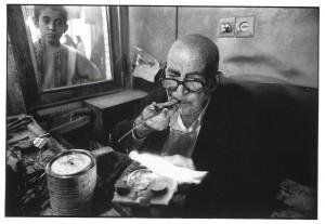 2002 Shiraz Réparateur de lunettes